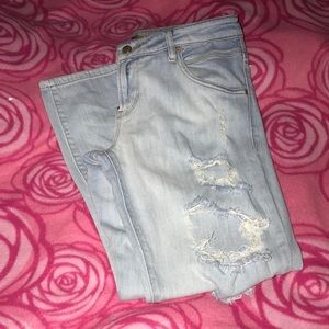 Guess boyfriend jeans . Great condition.